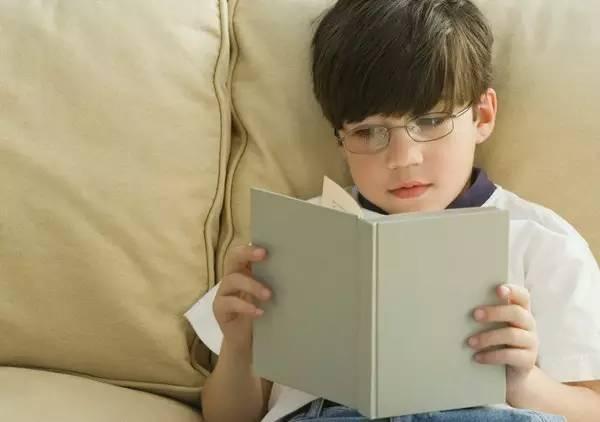 """孩子成长的""""黄金""""8年,父母不要让它在指尖溜过,错过悔一生!"""