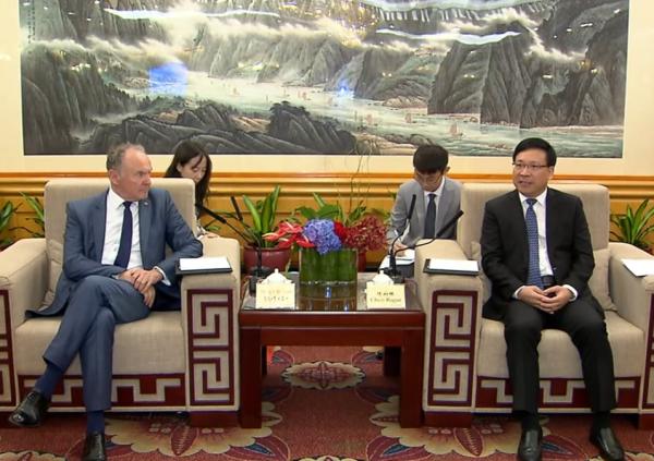 深圳市长会见剑桥大学常务副校长:支持剑桥北大在深联合办学