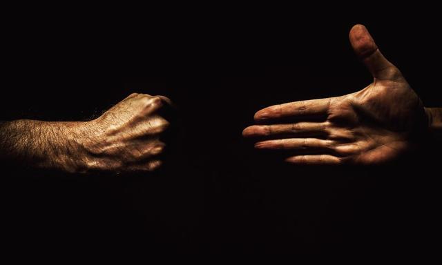 「猎云早报」吴忌寒夺回比特大陆控制权;工行澄清:未推出数字货币;梯影传媒获腾讯领投B轮融资