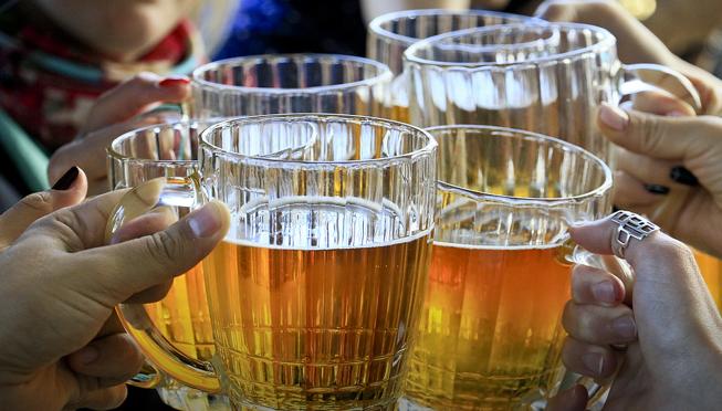 <b>俄罗斯取消对啤酒浓度限制?网友炸锅:我觉得不行|俄罗斯</b>