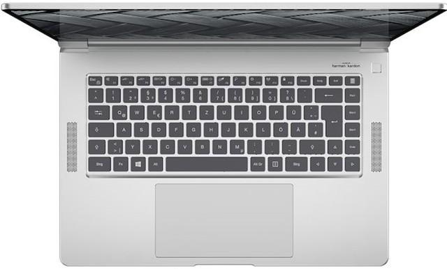 保时捷推出无风扇设计的15.6英寸笔记本电脑