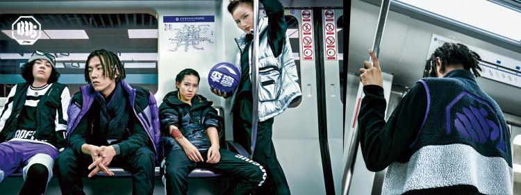 李宁年内股价飙升逾200%,成全球表现最好的运动服装品牌