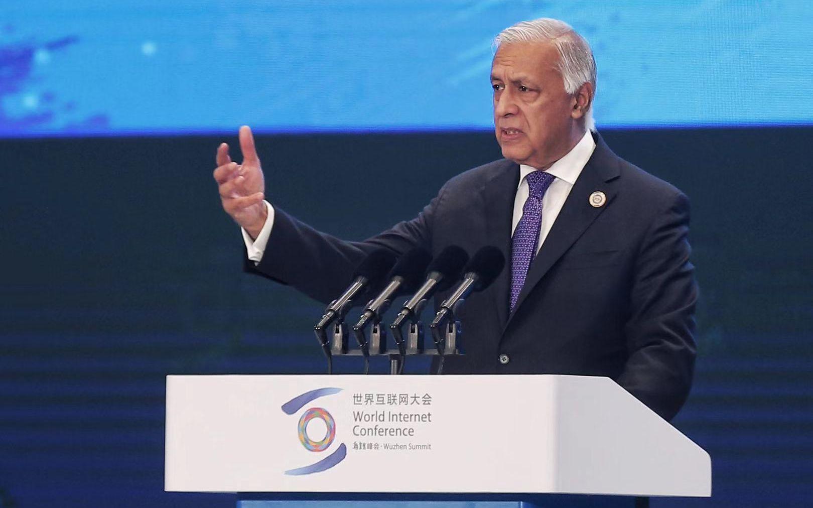 巴基斯坦前总理:信任在互联网时代发挥巨大作用