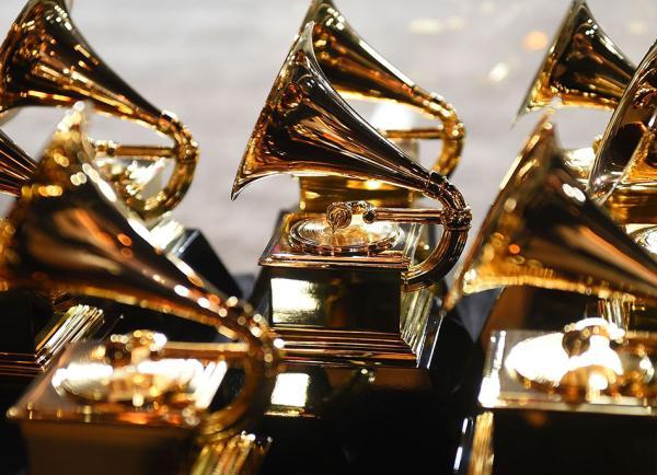 第61届格莱美:lady gaga获得最佳流行歌手奖图片