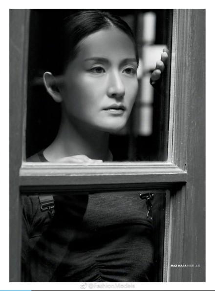 谢娜拍杂志风格大变,网友不买账:脸僵硬成蜡像了!