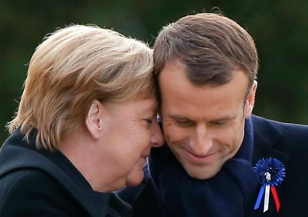 """默克尔呼吁建立欧洲""""联合部队"""" 默克尔赞同马克龙建立""""欧洲军队"""""""