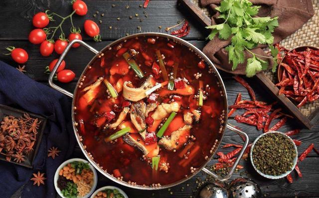 """重庆冷锅鱼,鲜嫩爽滑,不腥不燥,实至名归的""""巴渝第一味"""""""