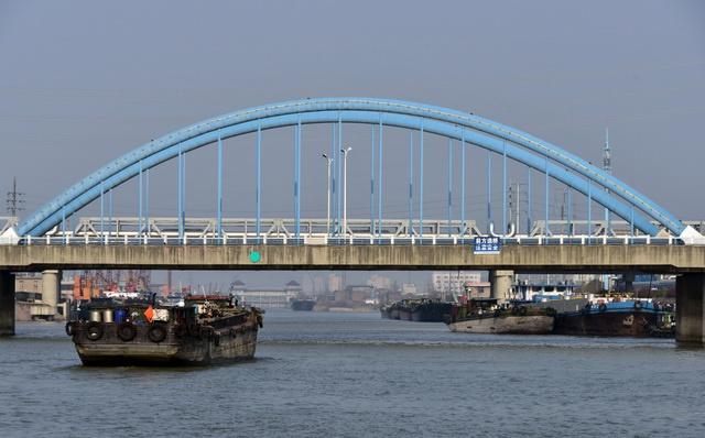 全国人大常委会将制定长江保护法 推动高质量发展