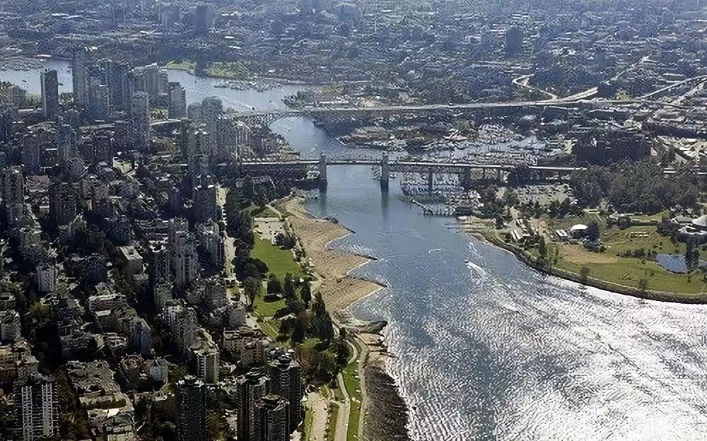 ▲資料圖片:2010年10月5日從空中拍攝的溫哥華港。(新華社)