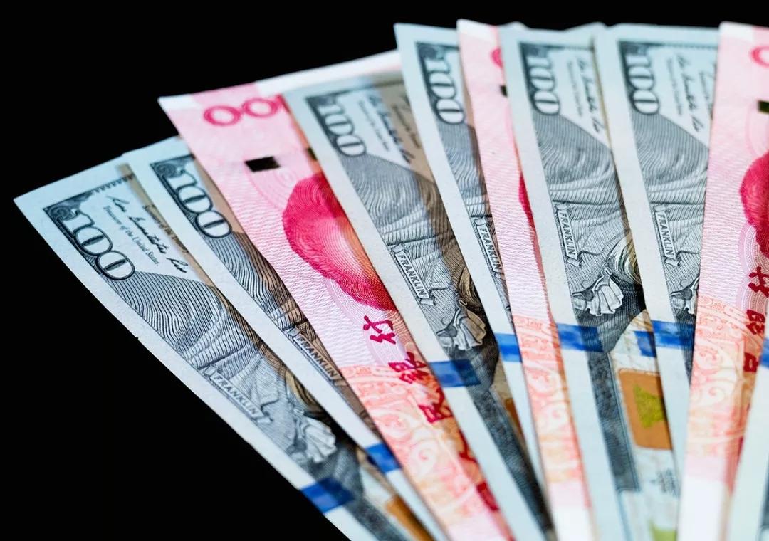 人民币忽然上涨破开6.80,空头被打爆!缘由很骈杂