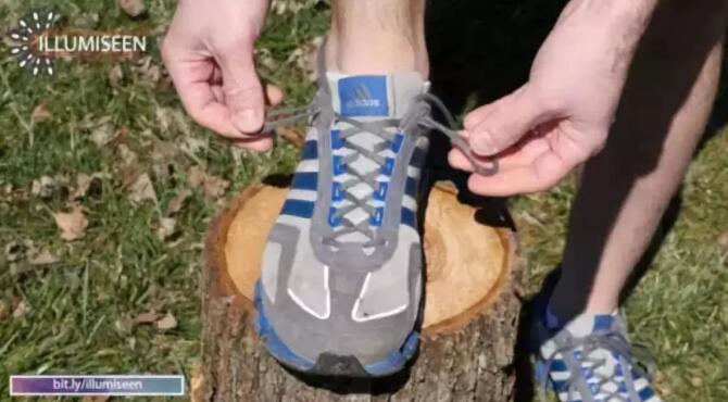 别绑错了!运动鞋上最后一个小孔,原来竟是这个用处