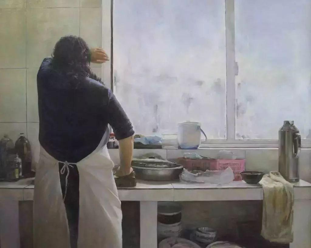 早上5点30分,一位妈妈就已经起床为6点半出门的女儿做早饭(图源:网络)