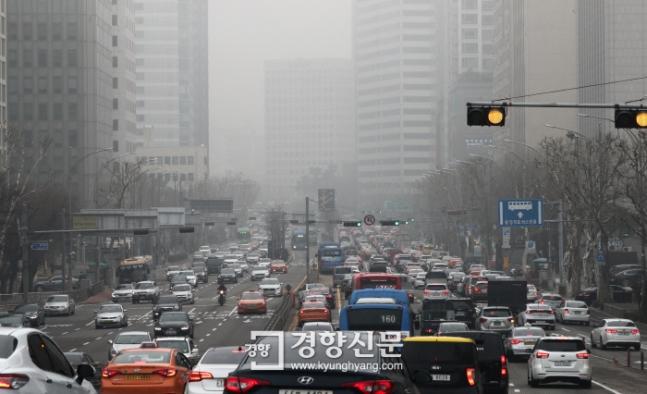 3月26日,韩国首尔的雾霾 图片来源:京乡新闻