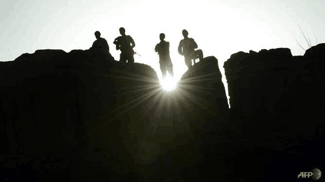 阿富汗枪手闯选民登记中心 绑架5人烧毁文件