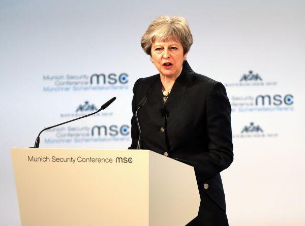 英媒:中美先行一步 英首相访非欲扩大影响力为时已晚