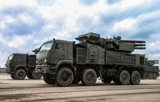 铠甲-S1迪拜航展执行防空任务,背后美俄中东武器出口主导权之争