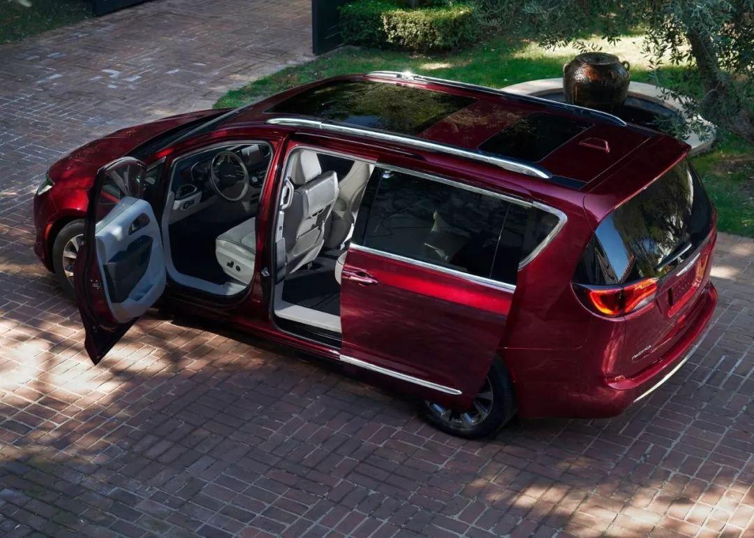 CES 2019 | 自动驾驶的座椅应该是这样,麦格纳发布新座舱构想