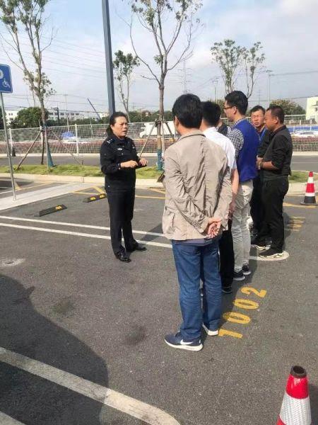 """这个""""阿姐""""超""""硬核""""  —记上海市公安局闵行分局进博会安保民警余江红"""