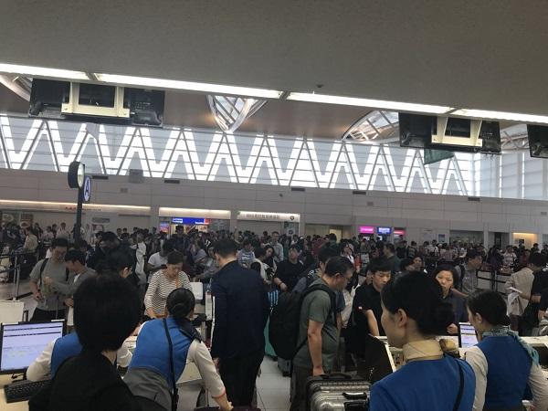 台风地震连袭日本 东航紧急更换大机型增开51航班赴日接运滞留旅客