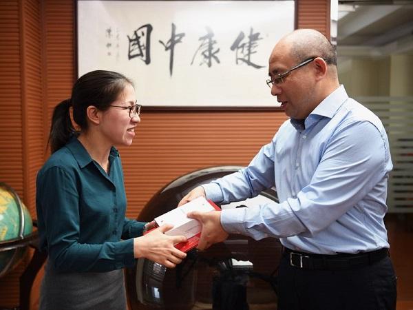 上海中医走进云南乡村 提供义诊还培训医务人员