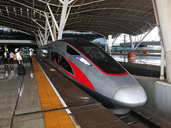 武汉火车站首开至香港西九龙高铁