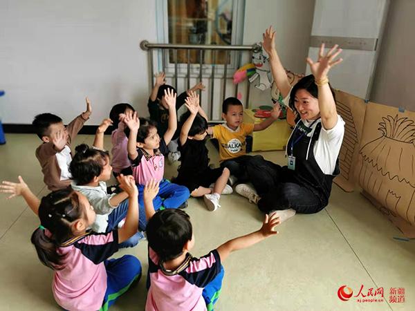 北京援疆教师刘爱华:身体力行为和田幼儿教育做示范
