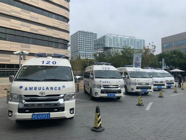 为进博会服务的5G救护车有何特别?上了车就像进了急救中心