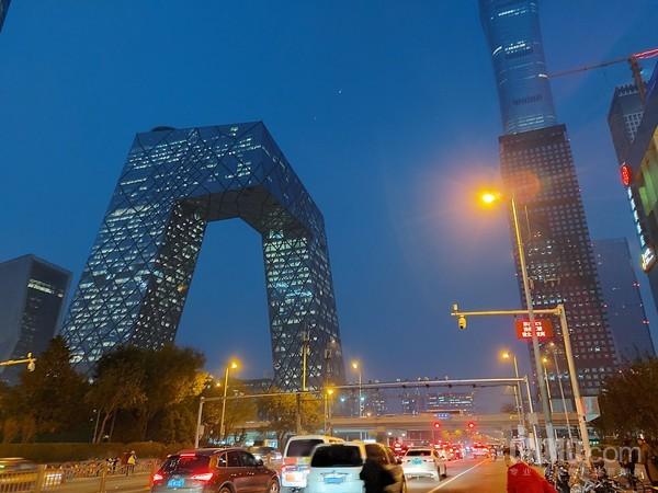 在赌场赢钱 翠华控股料中期溢利大减逾五成 现跌近7%