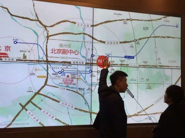 """「博狗集团注册送元」奔驰女车主声称被""""引诱""""贷款 提出8点诉求"""