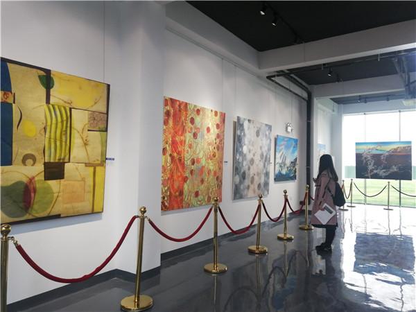扬州华侨城·侨城里创意展示中心公开暨当代艺术展璀璨开放