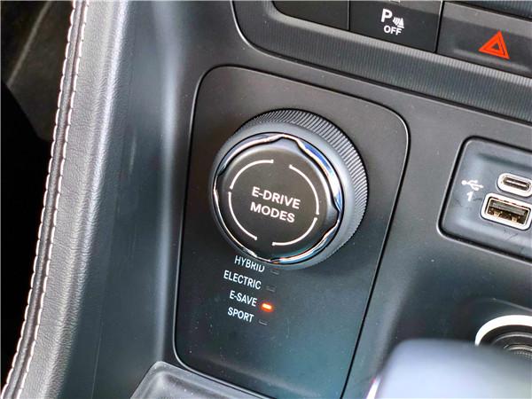 试驾全新Jeep指挥官PHEV :不充电也省油