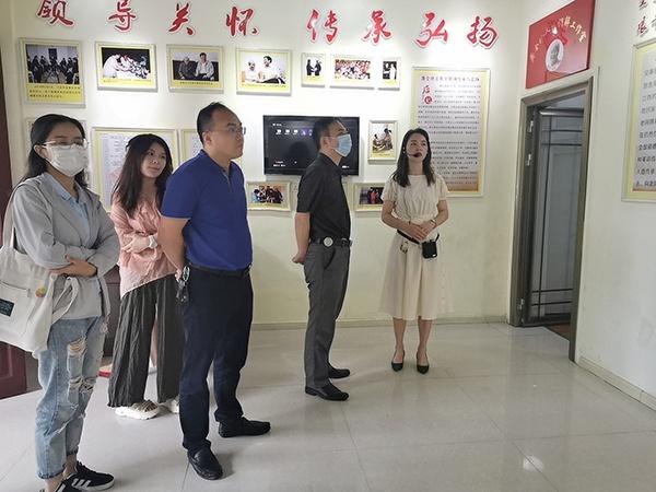 江西省委政法委二级巡视员王飞一行在莲花县琴亭镇调研指导基层社会治理工作