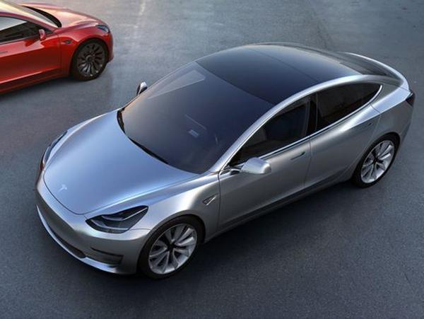 <em>动力</em><em>转向</em>故障 特斯拉全球召回12.3万Model S