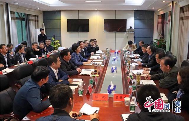 武汉纺织大学与湖北仙桃达成合作 校地联手推进品牌培育和成果转化