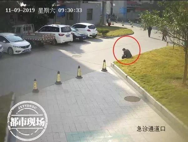亚洲城ca88指定入口·九江社区携手志愿者为社区健康餐厅打扫卫生并制作孝亲敬老饺子