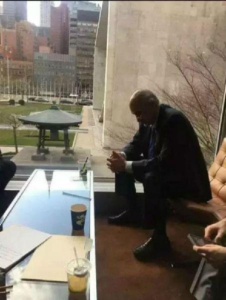 """巴沙尔·贾法里在中国被""""刷屏""""的照片"""