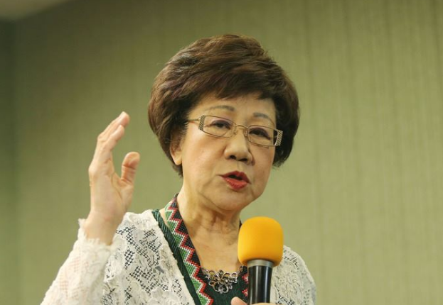 吕秀莲对民进党绝望拒见蔡英文 网友:去国民党吧