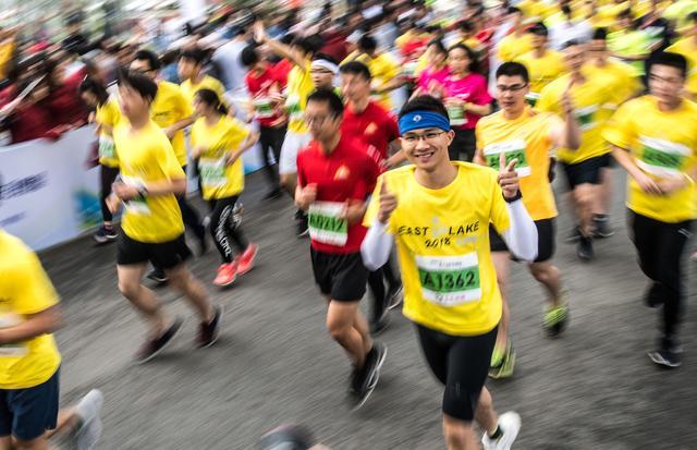 (体育)(5)马拉松——2018东湖绿道(武汉)大学生马拉松图片