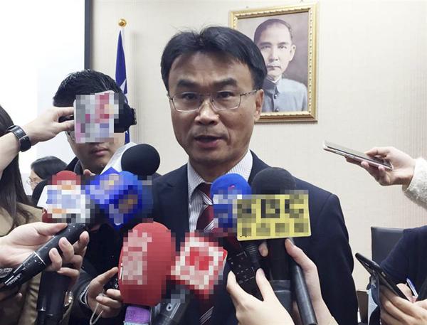 """台当局""""农委会主委""""陈吉仲。(图片来源:台湾""""中时电子报"""""""