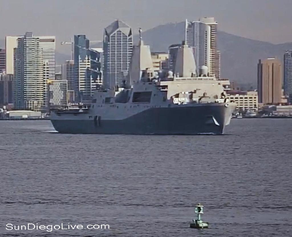 美军测试最新舰载激光炮 可摧毁小型船只