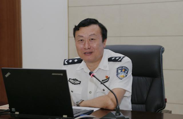 """广西玉林市原公安局长李庄浩被双开,落马时已是干了38年的""""老公安"""""""