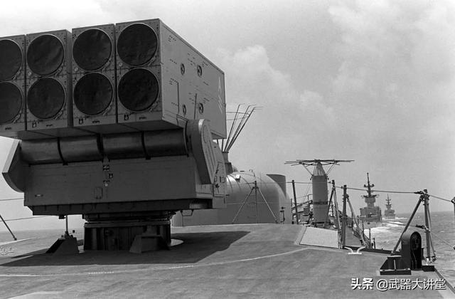 现代潜艇杀手,采用固体火箭推进器,美军阿斯洛克反潜导弹系统