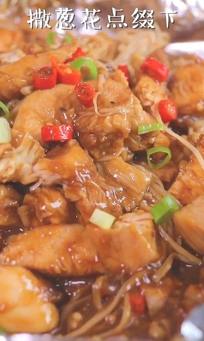 不加一滴油,不加一滴水也能做出美味的鸡肉!