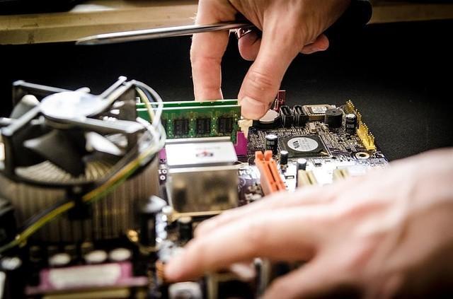 劝你一句不懂电脑别去电脑城装机了,学会这些比啥都强