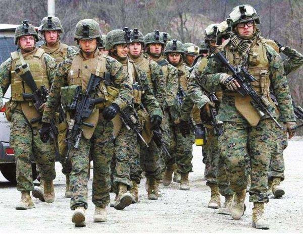 图为驻韩美军部队正在进行训练