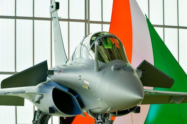印度空军最贵战斗机交付,比起潜在对手,最大的敌人是自己