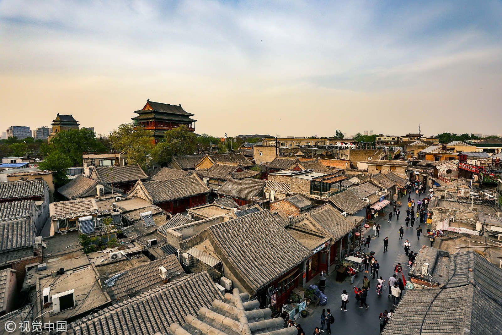 北京钟鼓楼附近胡同,图片来源:视觉中国。