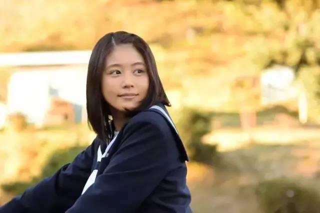 还凭借《雏鸟》获得第94回日剧学院赏最佳女主角。