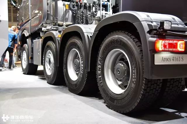 德国宝马展:皮卡,公交车门的搅拌车,带您见识奔驰工程车的强大实力