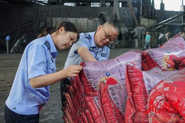 泸溪县开展肥料生产经营质量安全管理服务三农